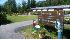 Uteplatsen är välanvänd på Lärknäs äldreboende.