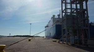 Fartyg i östra hamnen i Hangö.