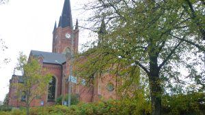 lovisa kyrka i höstskrud