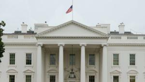 Sorgeflaggning på Vita huset.
