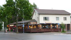 Pub Ewalds vid Kanaltorget i Karis.