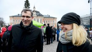Både Mikael Pentikäinen och Hanna Kosonen ställer upp för Centern i valet till Europaparlamentet våren 2014.