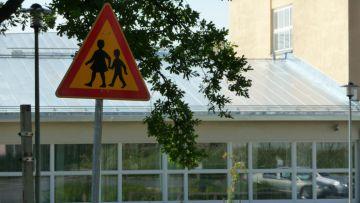I Österbotten intensifierar polisen trafikövervakningen vid  övergångsställen och i närheten av skolor. 50c40d3396640