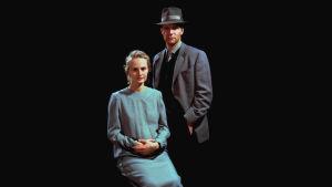 Näyttelijät Sara Paavolainen ja Kari Heiskanen olivat televisiodraaman pääosissa.
