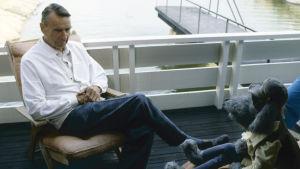 Presidentti Mauno Koivisto ja Ransu Kultarannassa vuonna 1987.