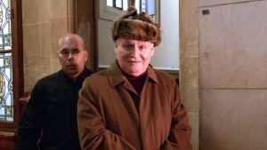 Arkivbild på Ilich Ramirez Sanchez, alias Carlos Schakalen inför domstol i Paris i december 2013.