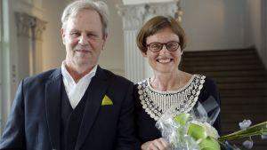 Göran Djupsund och Marit Berndtson på Svenska folkskolans vänners prisutdelning.