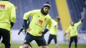 Zlatan Ibrahimovic har i dag tränat med det svenska landslaget inför tisdagens träningsmatch mot Tjeckien.