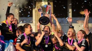 frankfurt firar champions league-seger 2015.