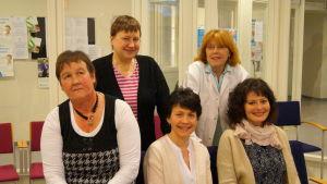 Stående från vänster: Kerstin Krook och Sonja Prest-Meyer. Sittande: Denice Hansson, Peggy Ljungberg och Erica Ivars.