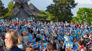 Kansallispäivän juhlintaa Skansenilla