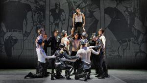 En scen ur musikalen Tom of Finland