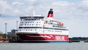 Viking Gabriella matkustajalaiva Helsingin Katajanokan satamassa.