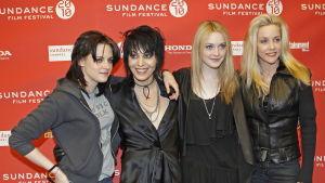 "Kristen Stewart, Joan Jett, Dakota Fanning och Cherie Currie från Sundance Film Festival i samband med premiären av filmen ""The Runaways""."