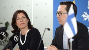 Carl Haglunds och Karin Enströms presskonferens