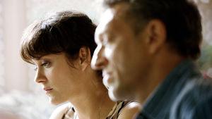 Cathrine och hennes man Antoine avtecknar sig i profil.
