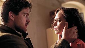 Ronald Zehrfeld ja Nina Hoss elokuvassa Phoenix