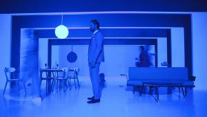Q-teatteri: Kevyttä mielihyvää. Kuvassa Tommi Korpela.
