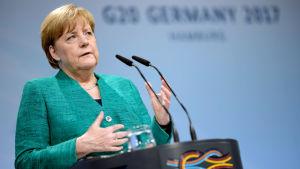 Angela Merkel kungör slutdokument från G20-mötet i Tyskland