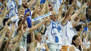 Finska basketanhängare under EM 2015.