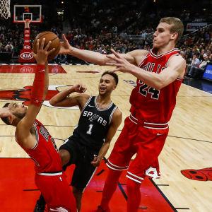 Lauri Markkanen spelar basket för Chicago Bulls.