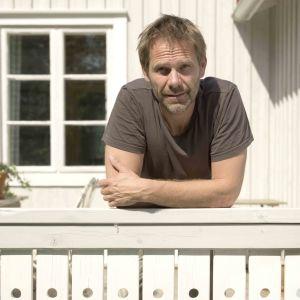 Porträtt Stefan Engström, yogalärare, skärgårdsbo