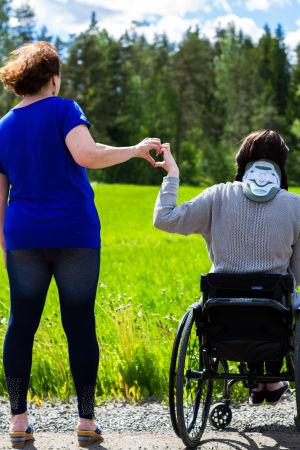 Jenna ja hänen äitinsä ovat mukana SuomiLOVEn 4. kaudella.
