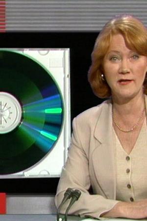 Monica Welling presenterar cd-romskivan i Tv-nytt, 1995