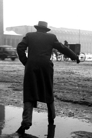 Man vid Helsingfors järnvägsstation, 1948