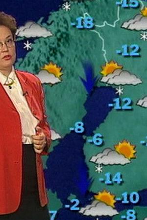 En meteorolog informerar om vädret i tv
