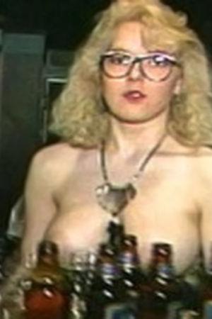 Topless servitris