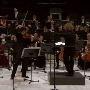 Augustin Hadelich Radion sinfoniaorkesterin solistina, johtajana Santtu-Matias Rouvali