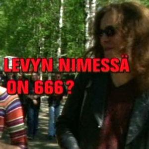 Ville Valo ja Katja Ståhl Provinssirockissa. Kuvaruudussa teksti Miksi levyn nimessä on 666?