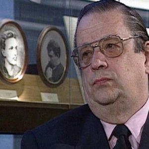 Harri Saukkomaan toimittama henkilökuva Aatos Erkosta vuodelta 1994.
