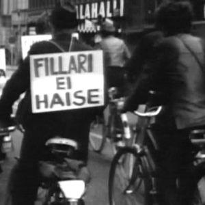 Polkupyöräilijöidne mielenosoitus Helsingissä 1971.
