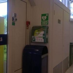 Lady Lions defibrillator i S-market i Ekenäs.