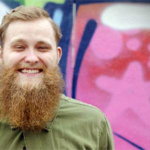 Jonas Forsbacka är programledare på X3M.