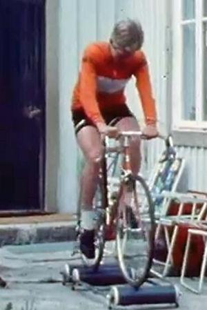 Sixten och Patrick Wackström tränar cykling