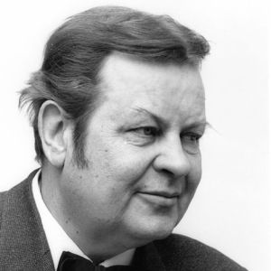 Toivo Kärki vuonna 1969 ja Reino Helismaa vuonna 1961 (kuvakollaasi).