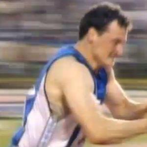 Keihäänheittäjä Kimmo Kinnunen tuulettaa  MM-kisoissa Tokiossa 1991
