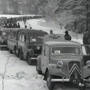 Autokolonna saapuu Porkkalaan