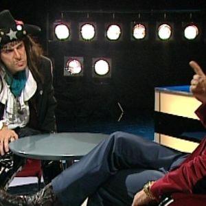 Jukka Puotila imitoi Andy McCoyta Timo T. A. Mikkosen haastattelussa 2000