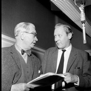 Axel Slangus och Börje Lampenius i Sockenskomakarna, 1953