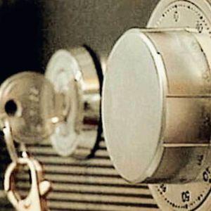avain ja lukko (kassakaappi)