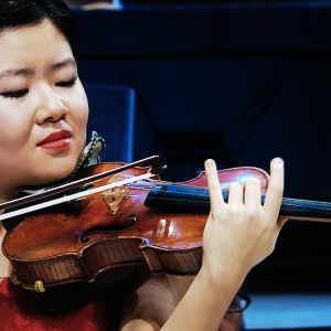 Mayumi Kanagawa Sibelius-viulukilpailussa 2015.