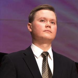 Tenori Jarno Lehtola Lappeenrannan laulukilpailujen välierässä 4.1.2016.