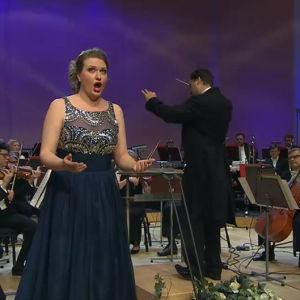 Mezzosopraano Anu Ontronen Lappeenrannan laulukilpailun 2016 finaalissa