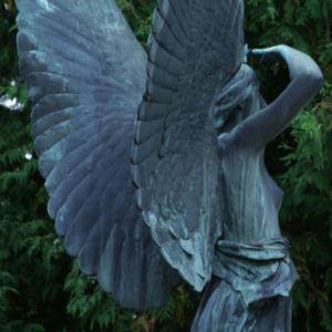 Patsas Kivinokan hautausmaalla
