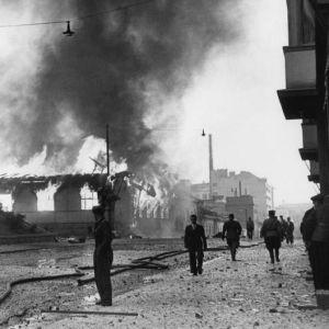 Palavia taloja Helsingin pommituksessa 9. heinäkuuta 1941.