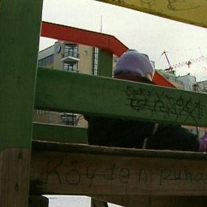 Barn i rutschbana, 1994